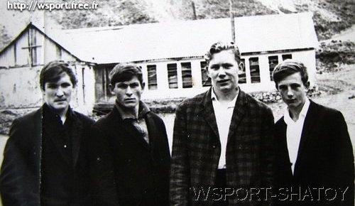 Бауд Ахмадов, Руслан Гугаев, Евгений Петров, В.Ситников. Шатой, конец 60-х годов.